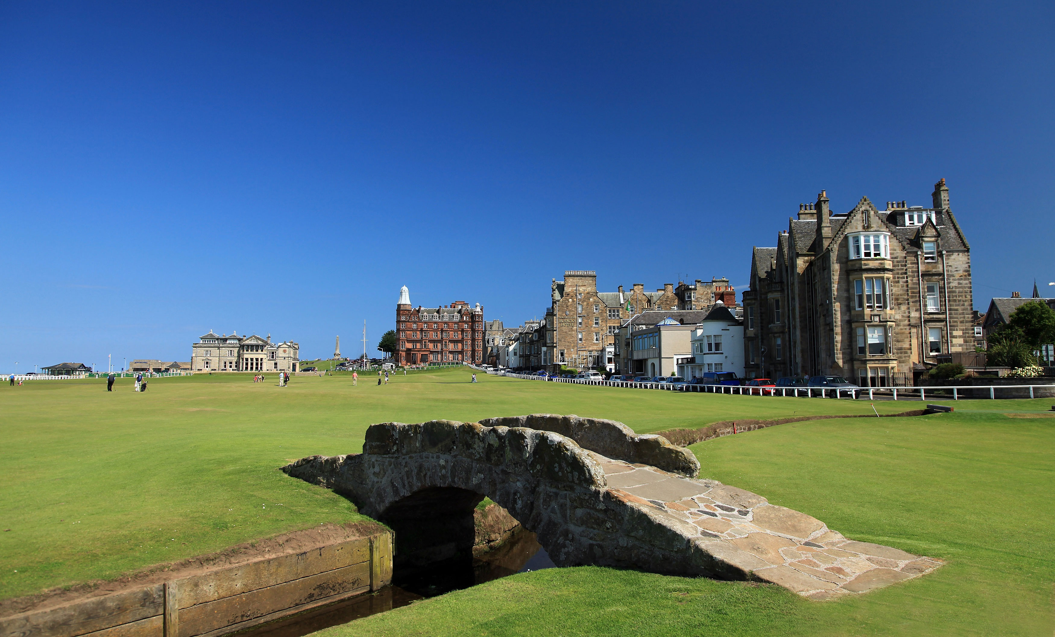 strike golf travel UK golf breaks St Andrews